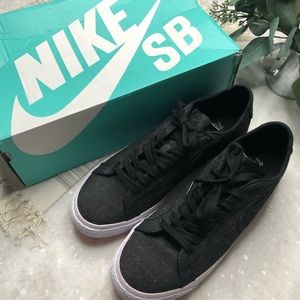 NIKE SB Zoom Blazer Low Canvas Decon Size 9 NIB